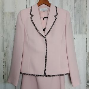 Tahari 2 piece pale pink skirt suit